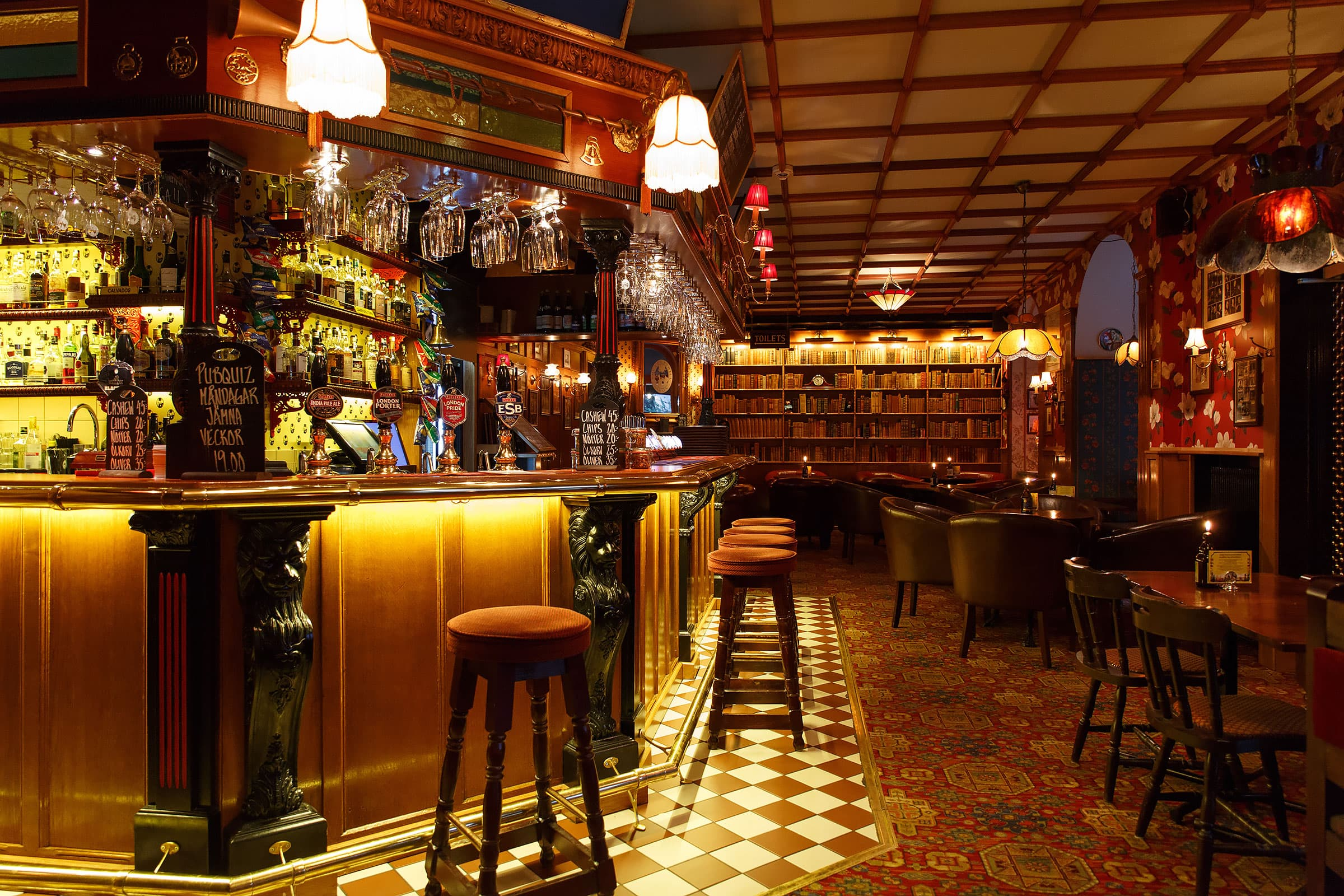 Guide to the Best Pubs in Stockholm