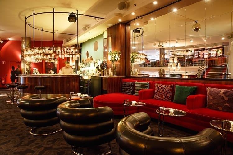 Här hittar du Stockholms bästa hotellbarer