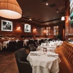 Här hittar du restauranger där köket stänger sent i Stockholm