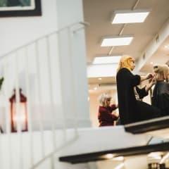 Frisörer som är bra på hårförlängningar i Göteborg