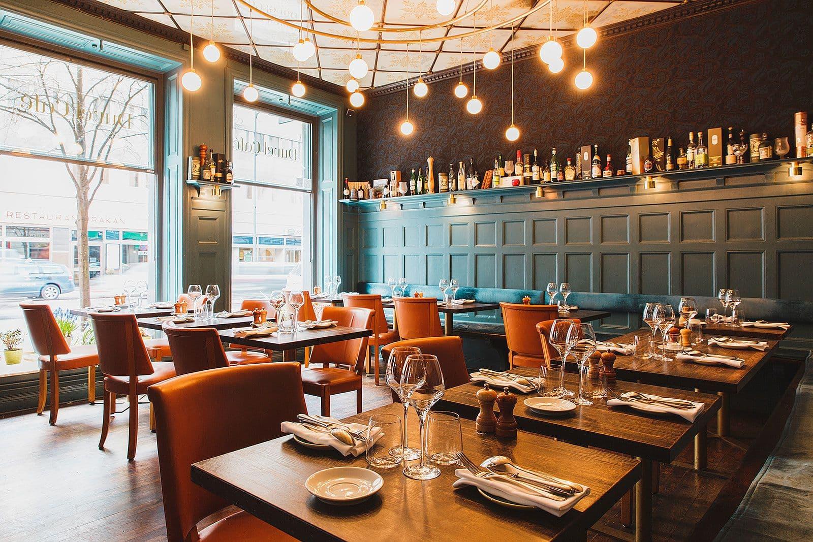 duvel caf restaurant bar norrmalm city stockholm thatsup. Black Bedroom Furniture Sets. Home Design Ideas