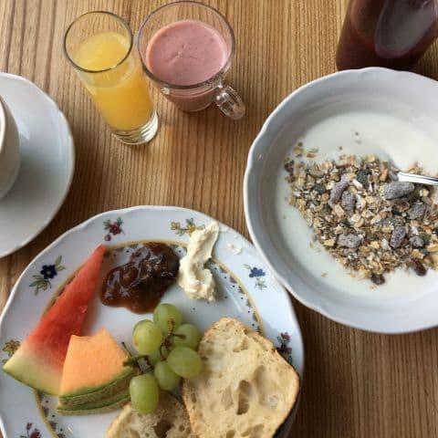 Bara en liten del av frukostutbudet. – Bild från Miss Clara Hotel av Johanna L.